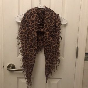 Accessories - Wool Blend Leopard Printed Square Scarf